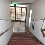 玄関部分階段